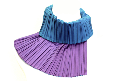 collar blue purple