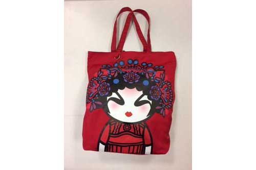 Red_tote_opera_-girl